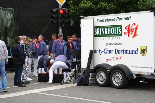 Nach jedem Konzert heißt es: alle Mann anpacken! Abbau!