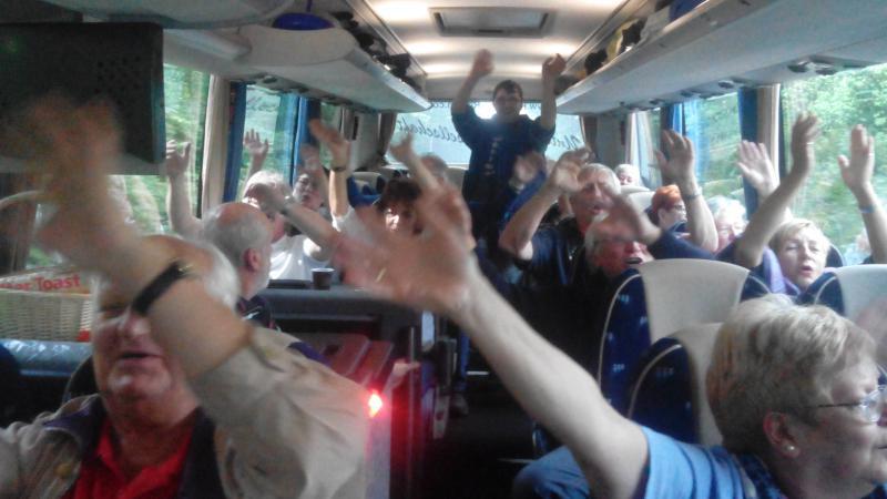Super Stimmung in Bus 1 - Vorfreude pur!
