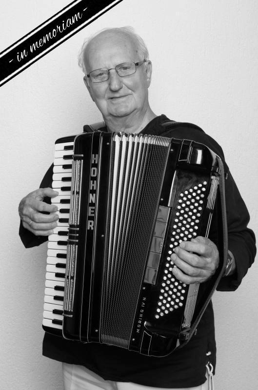 W. Schuster, Akkordeon